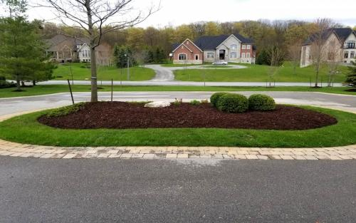 Fall round garden bed cleanup