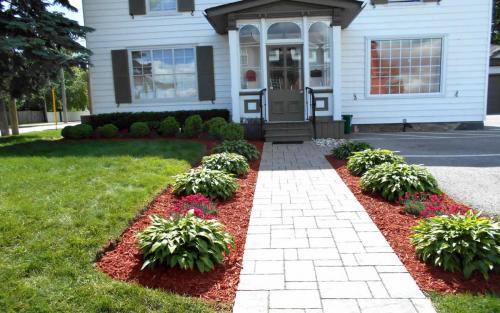 Front Entrance Garden Bed Ideas