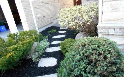 Frontyard Small Garden Bed Ideas2