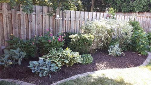 Garden Flower Bed Design Ideas 1
