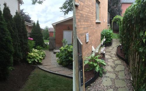 Flag stone path Gardening 2