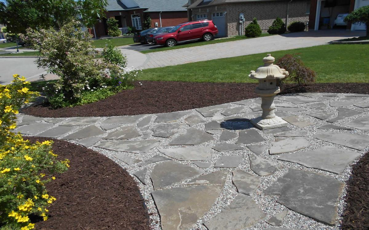 Front Yard Landscaping Flag Stone  Mulch After1